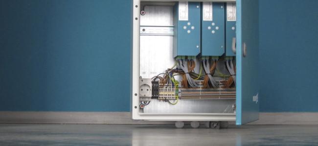 Kompakte Package Unit mit 3 mE180 Controllern zu Messung von 54 einzelnen Phasen